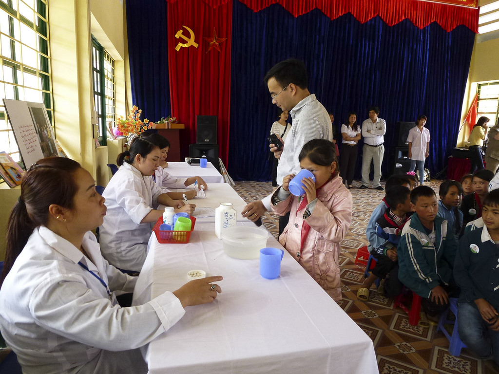 USAID supports deworming medication for school children in Sa Pa district of Lao Cai province. Ngo Tien Loi/USAID.